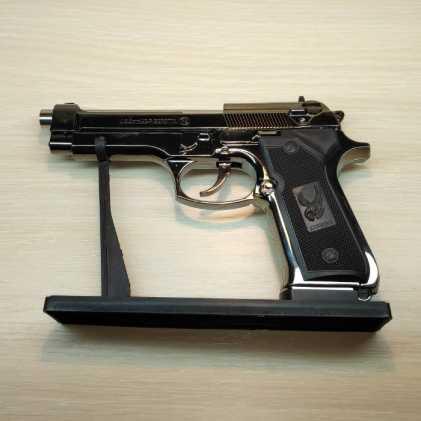 Зажигалка турбо в виде пистолета Beretta
